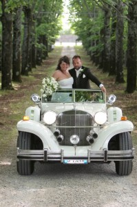 vintage car wedding italy castle borgia